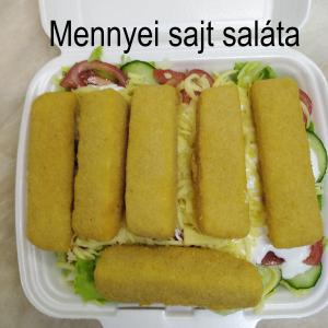 Mennyei sajtos saláta