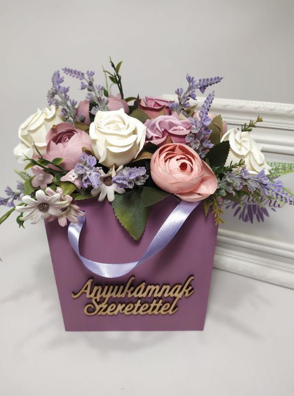 Anyukámnak szeretettel, virágok fa táskában. nagy