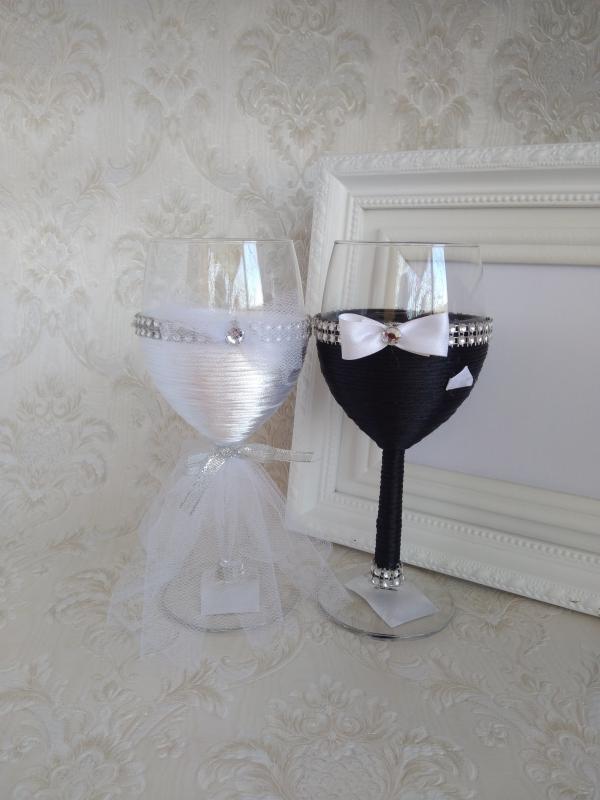 Borospohár esküvőre, strasszos