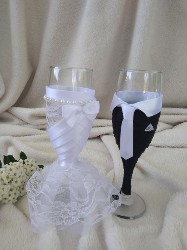 Esküvői pohár szett, csipkés, gyöngyös