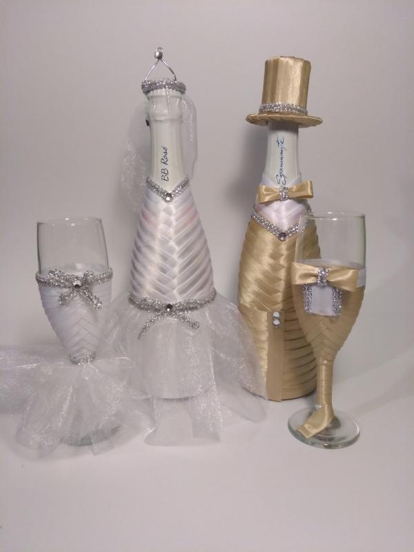 Pezsgős üveg és pohár szett drapp, fehér