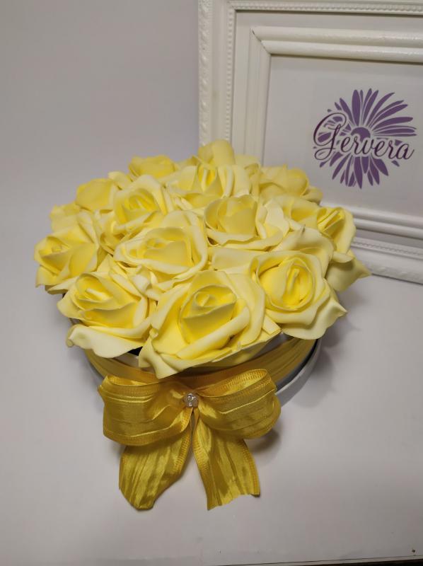 Sárga rózsa virágbox