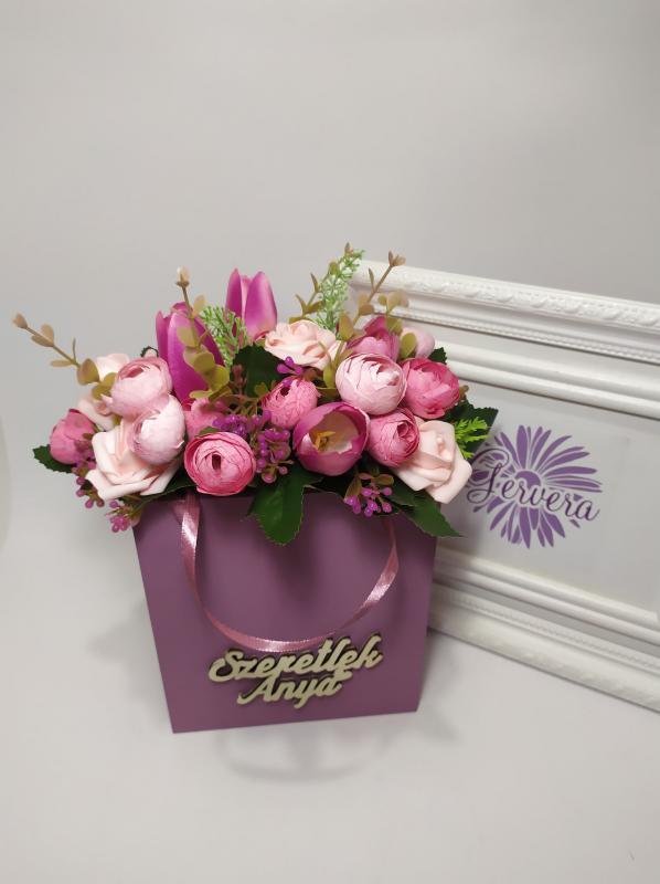 Szeretlek Anya, virágok fa táskában