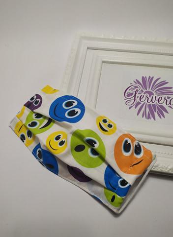 Textil maszk, kétrétegű, színes smile-s