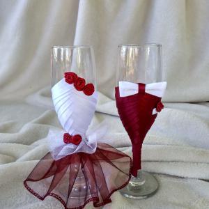 pezsgős pohár, bordó, fehér