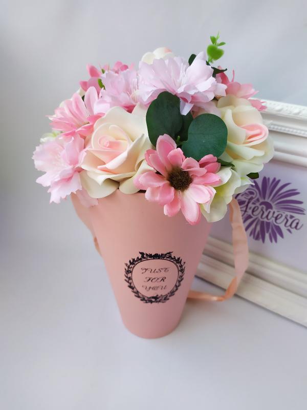 Virágbox, tölcsér, rózsaszín