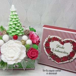 Karácsonyi csokrok és dekorációk