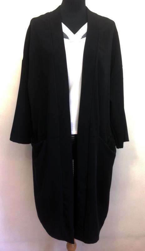 """""""csak felkapom"""" fekete gombnélküli kabát"""
