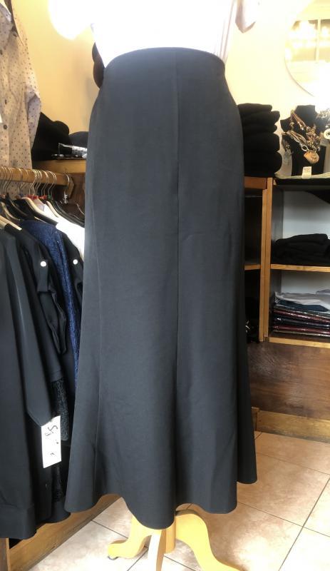Extra méretű fekete szoknya