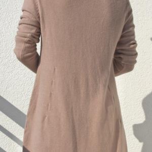 Kötött, zsebes tunika fáradt rózsaszín színben