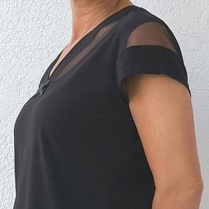 """V"" kivágású rövid ujjú póló fekete"