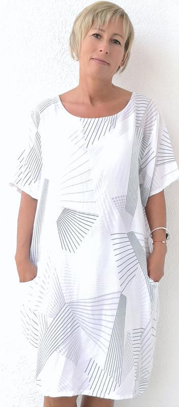 Fehér alapon alapon rövid ujjú mintás nyári ruha/tunika