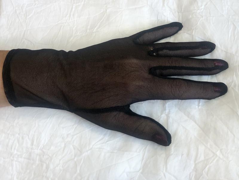 Fekete csipke kesztyű IV.