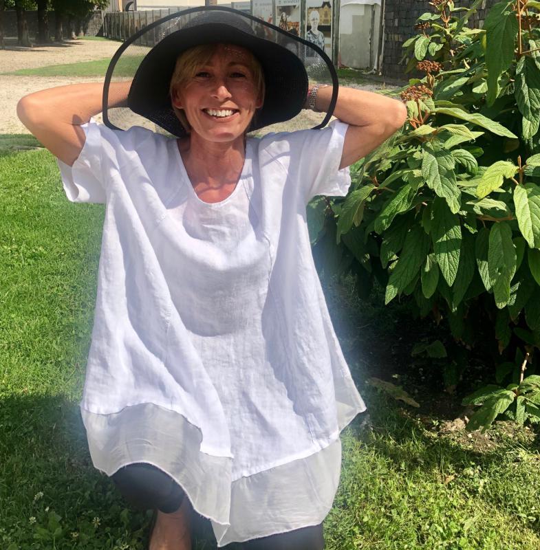 Fekete nyári kalap állítható méretben