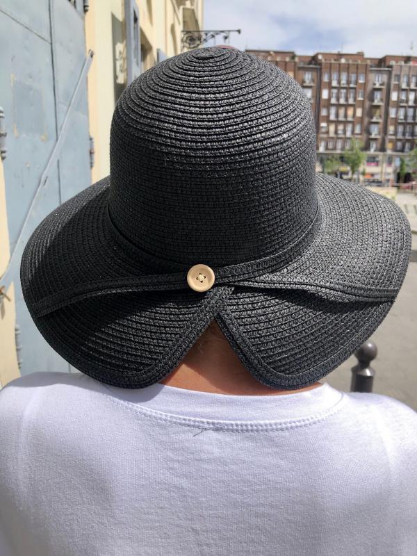 Fekete nyári kalap kis gomb dídzítéssel