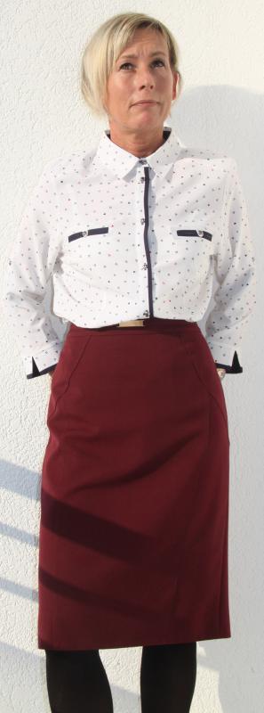 Hagyományos fazonú bélelt bordó szoknya