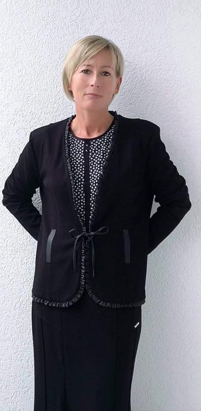 Kabátka és szoknya
