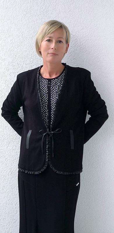 Kabátka fekete