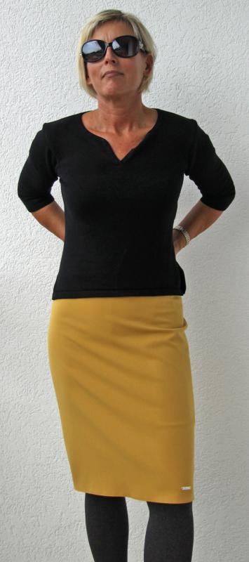 Mustársárga szoknya az ősz jegyében