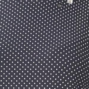 Fekete póló apró fehér pettyekkel