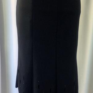 Gyönyörű fekete szoknya, alján csepp mintával