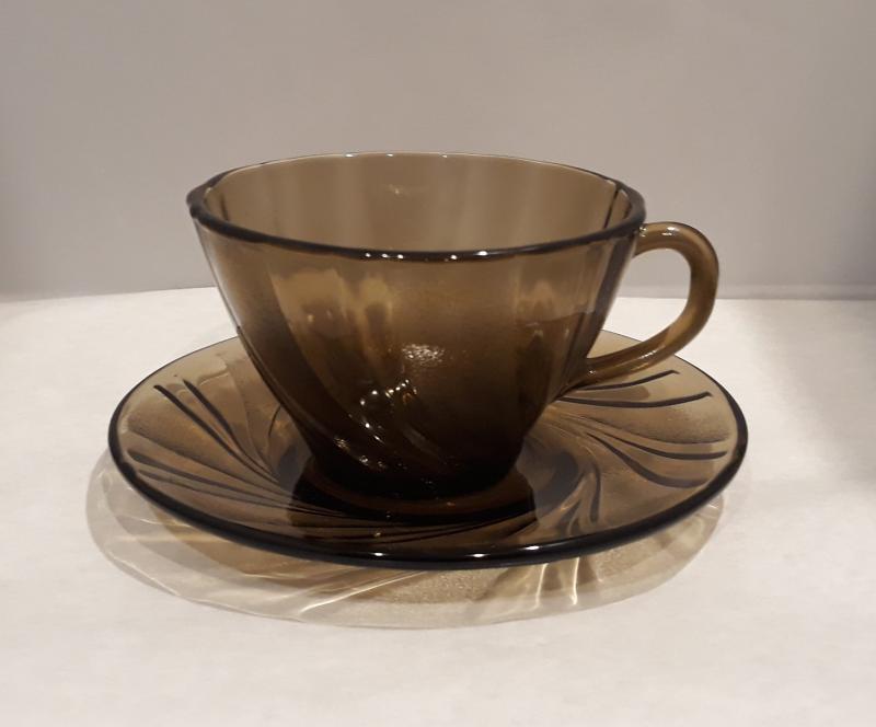 Duralex Beau Rivage csésze, 18cl, alátéttel, füstszínű, 1db,