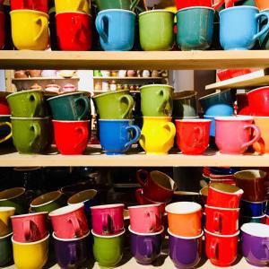 Bögrék, csészék, poharak