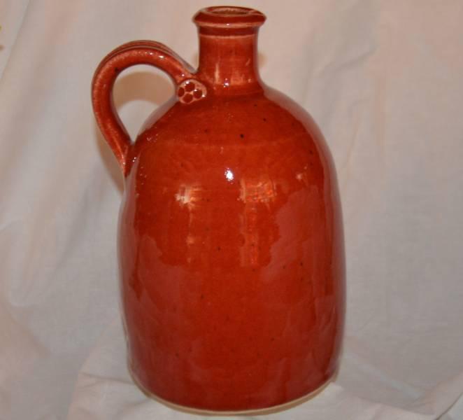 1 l-es szélestalpú palack, piros