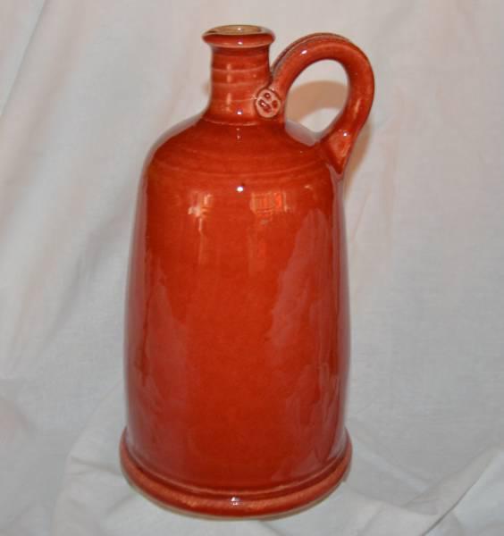 1,5 l-es szélestalpú palack, piros