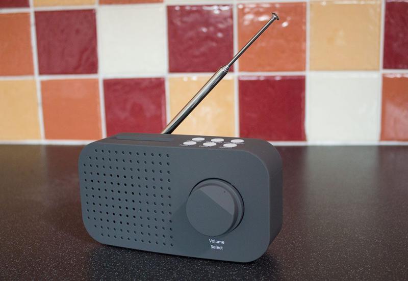 DAB + Rádió digitális FM rds kézi hordozható