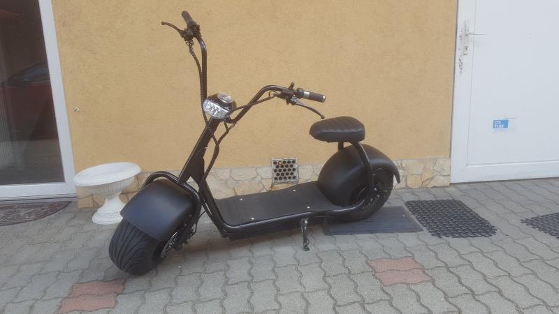 E-roller elektromos motor akkus coco moto 2 személyes