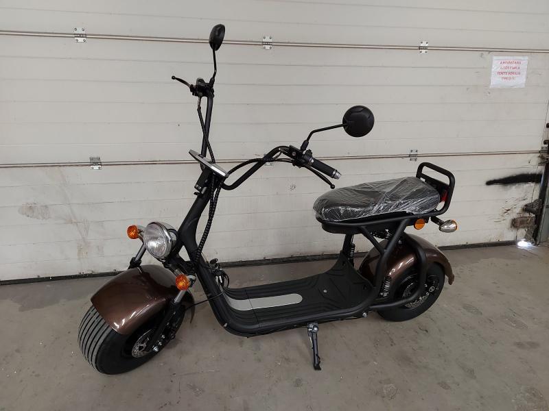 E-roller nagykerekű akkus chopper coco városi e-motor