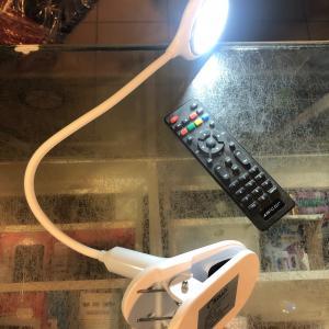 LED clip 3w asztali csiptetős led light lámpa akku 1500ma