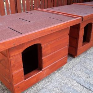 Lapostetős kutyaházak