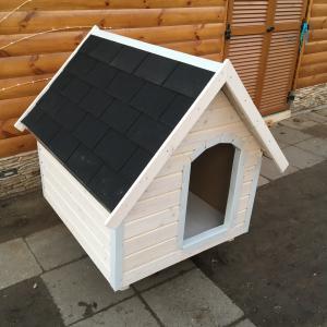 90X100 hőszigetelt kutyaház klasszikus tetős fehér élvédőzött