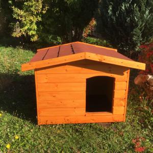 Extra hőszigetelt 70X90 kutyaház fordított amerikai tetős cseresznye