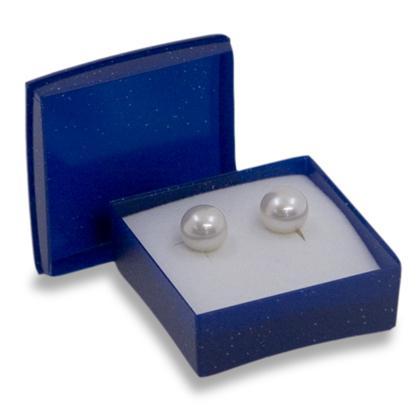 Műanyag jelvényes kis alakú doboz