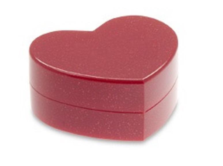 Szív alakú gyűrűs doboz