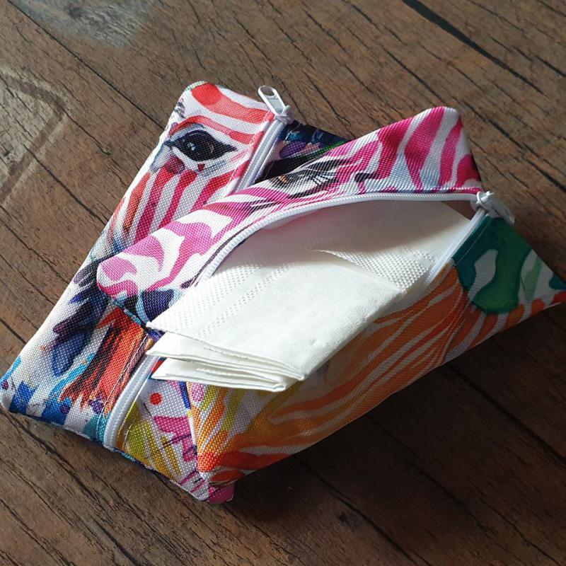 Textil papírzsebkendő tartó (10-12db. papírzsebkendőnek)
