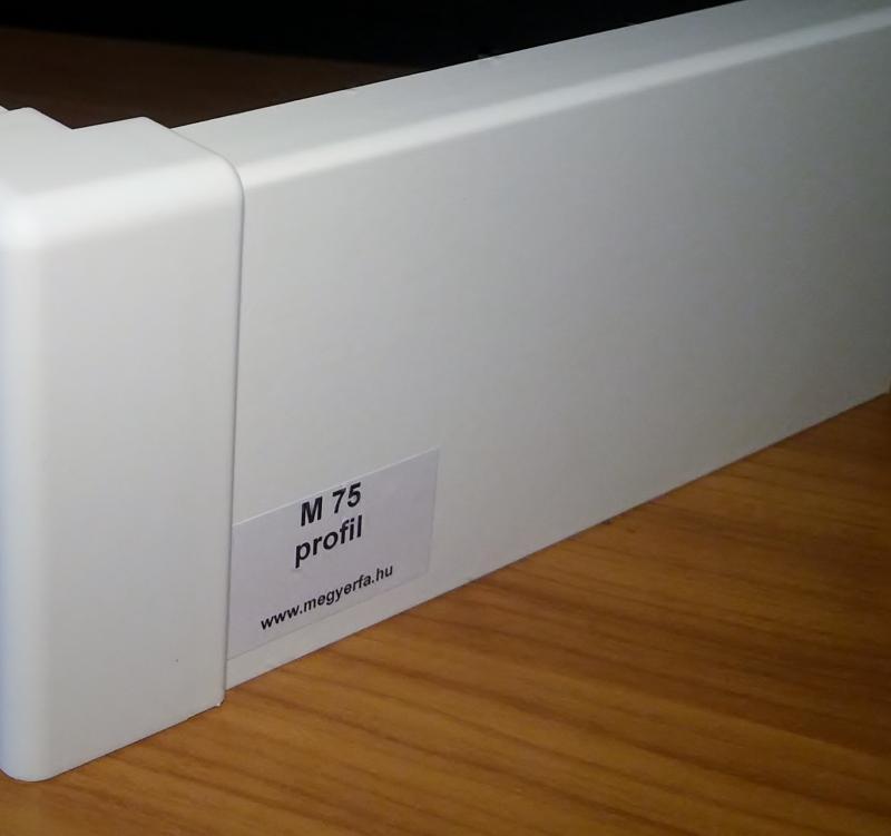 75 mm magas fehér MDF padló szegélyléc M75 profil