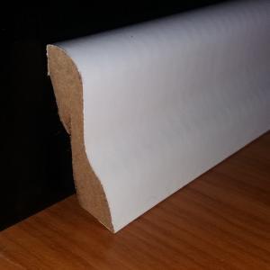 40 mm magas fehér MDF padló szegélyléc D profil