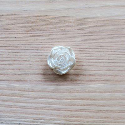 Akrilgyöngy, rózsa. Mérete: 19 mm