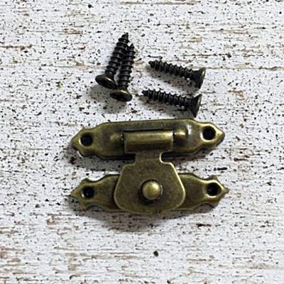 Csat szimpla, bronz. Mérete: 25x15 mm