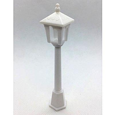 Fehér műanyag kandeláber (nem világít!) Magassága: 10 cm