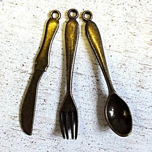 Fém evőeszközök, 3db/cs. Mérete: 56 mm