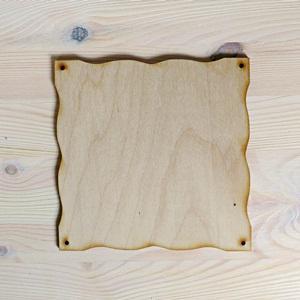Hullámos szélű falap, mérete: 16x16 cm