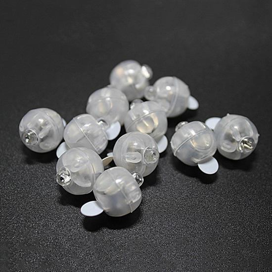 Műanyagházas LED gömb, átmérő: 15 mm.  Az ár EGY darabra vonatkozik.