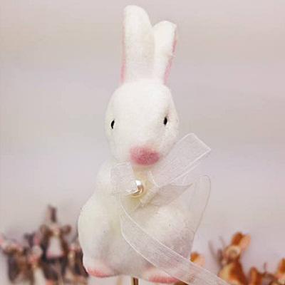 Pálcás nyuszi dekor, fehér. Nyuszi mérete: 50x110 mm