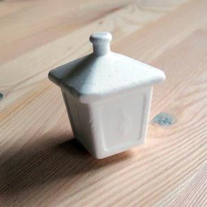 Polisztirol (hungarocell) lámpás, mérete: 45x45x60 mm
