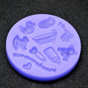 Szilikon formázó, babajáték, mérete: 7,7 cm